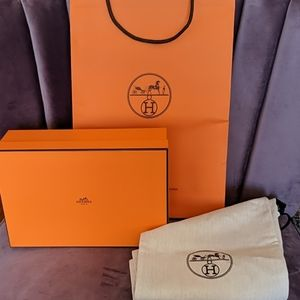 Hermes shoes box+dust bags (2)+shopping bag